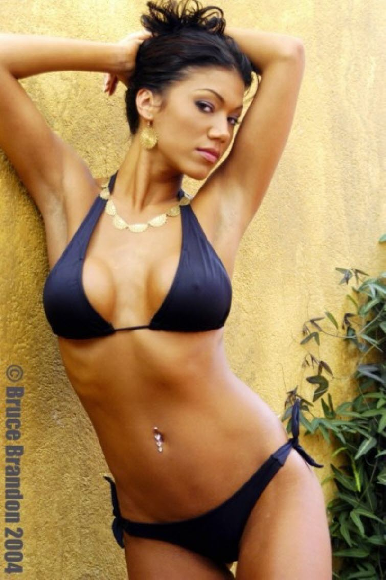 Rosa Mendes Sexy Boobs Pictures in Black Bikini