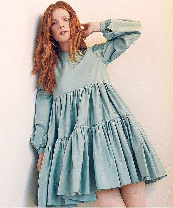 Rose Leslie sexy women picture
