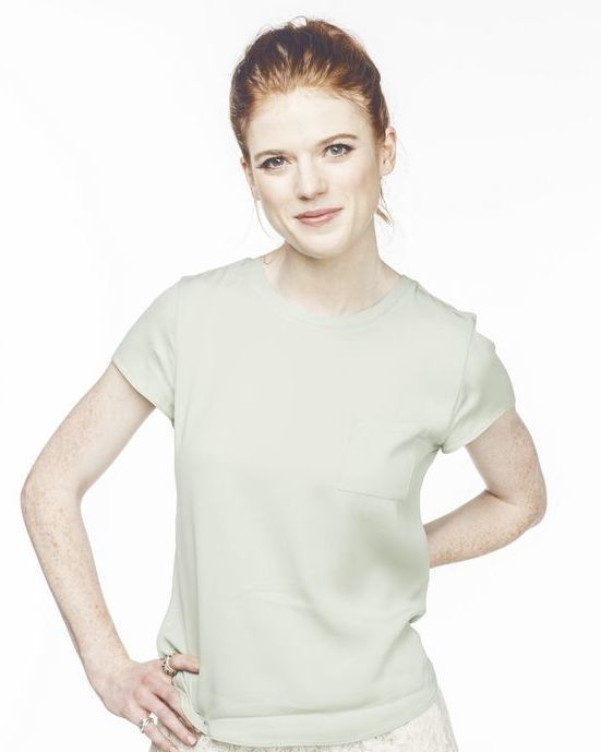 Rose Leslie very sexy pic
