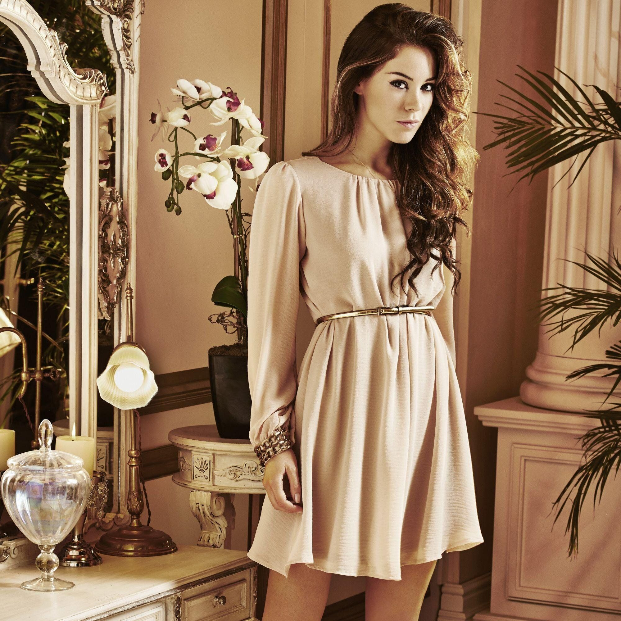Roxanne McKee on Photoshoot