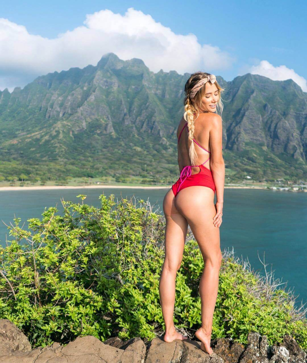 Sara Jean Underwood ass photo
