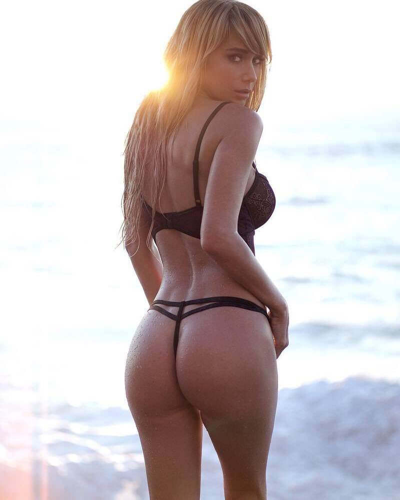 Sara Jean Underwood hot ass (2)
