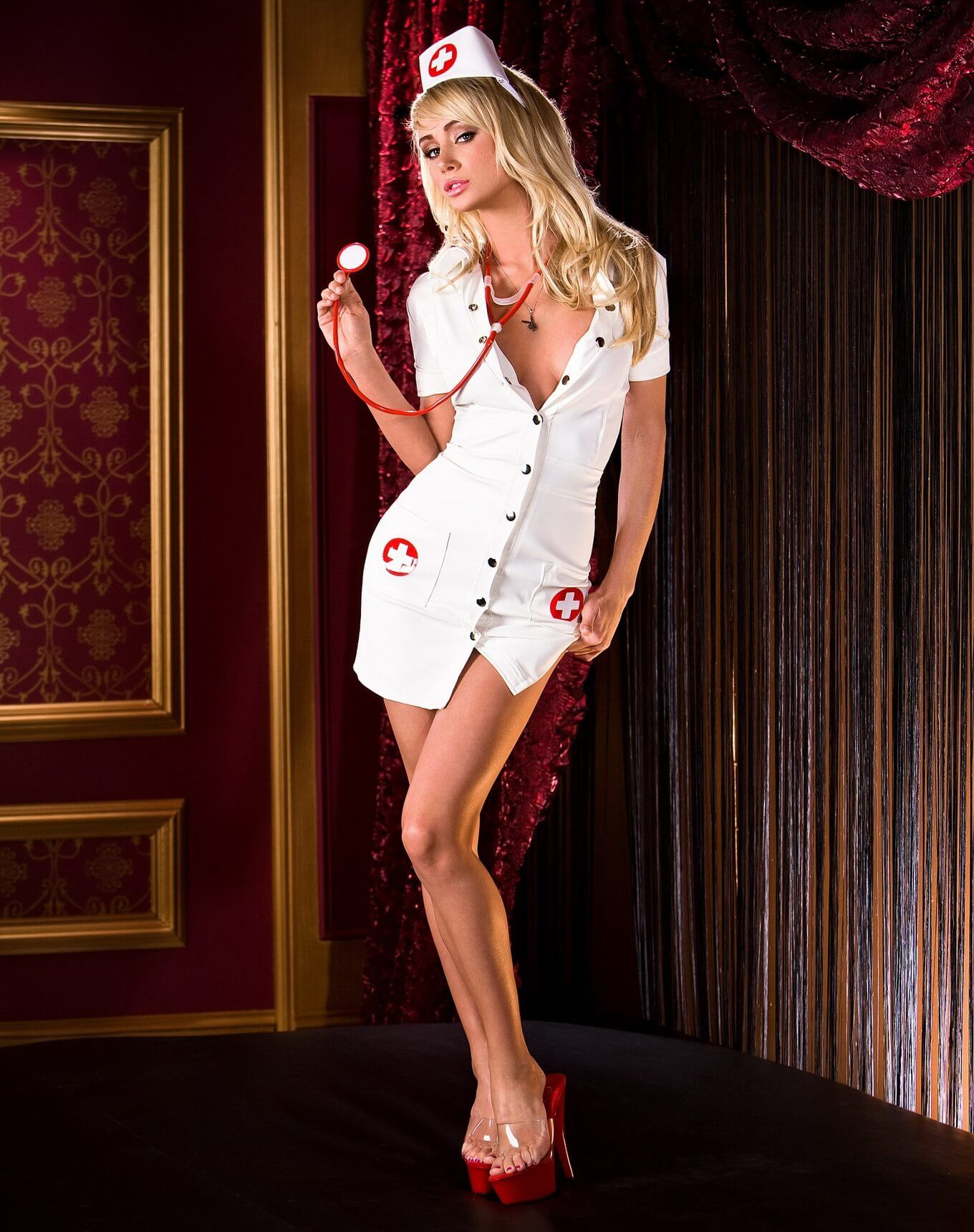 Sara Jean Underwood sexy white dress