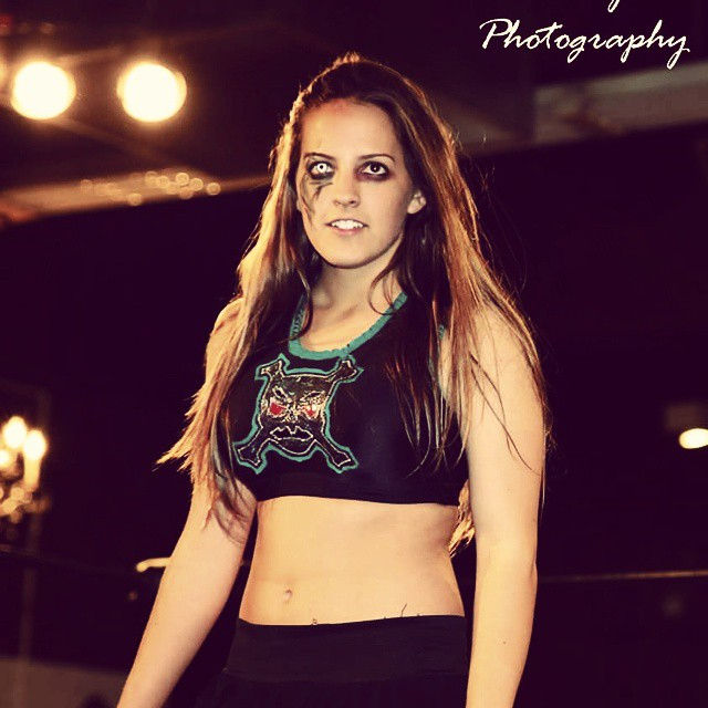 Sarah logan awesome pic (2)