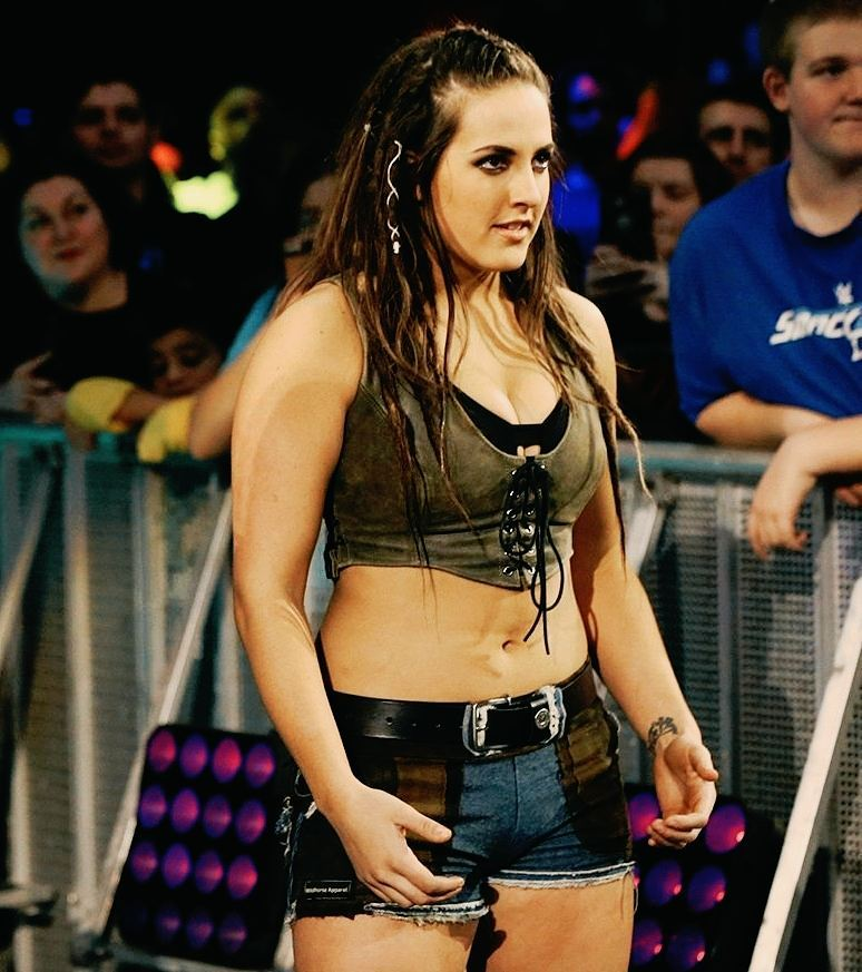 Sarah logan thigh awesome