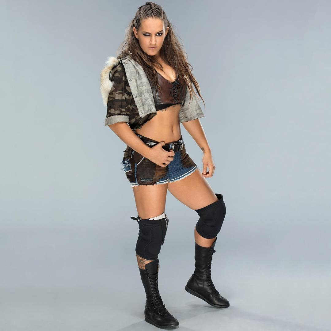 Sarah logan thigh