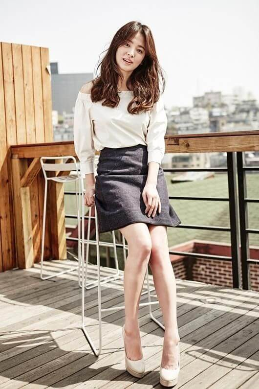 Song Hye-kyo legs sexy pics
