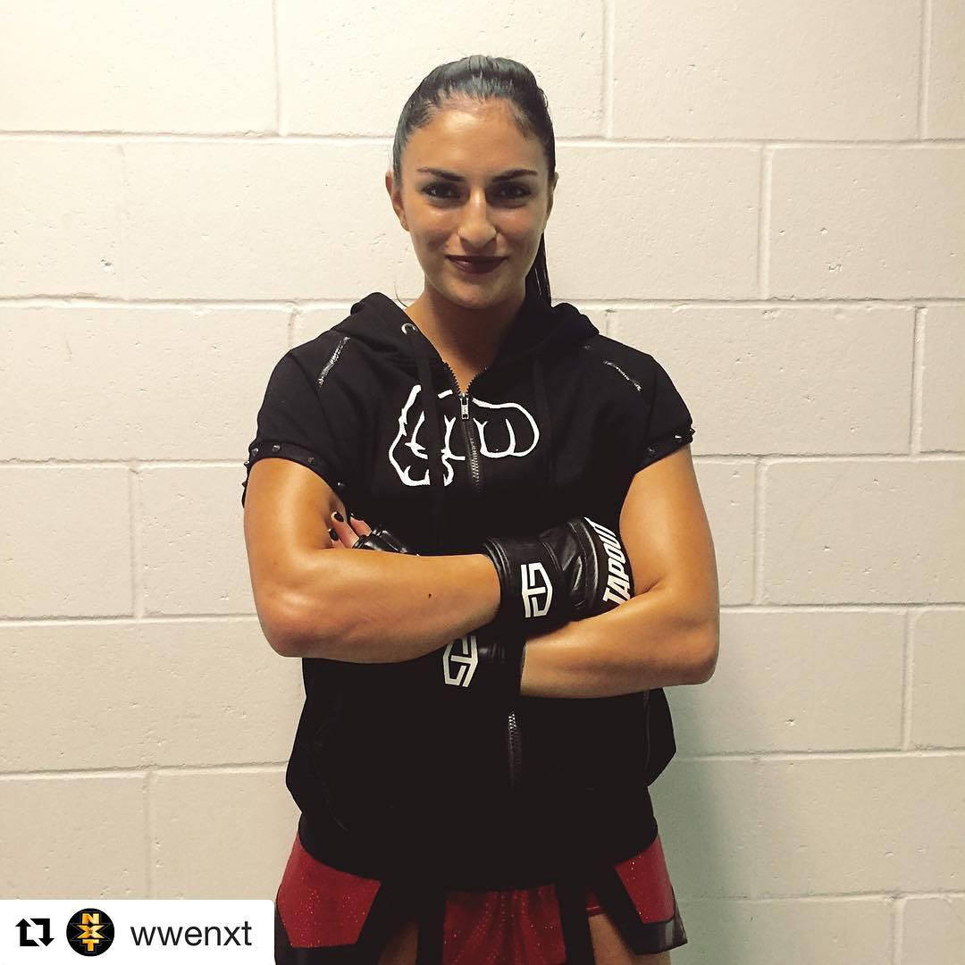 Sonya DeVille lookig awesome '