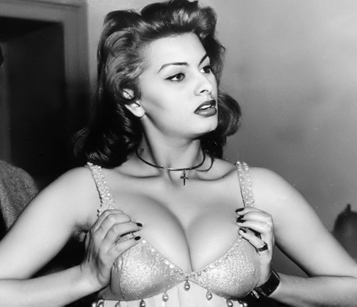 Sophia Loren Sexy Boobs