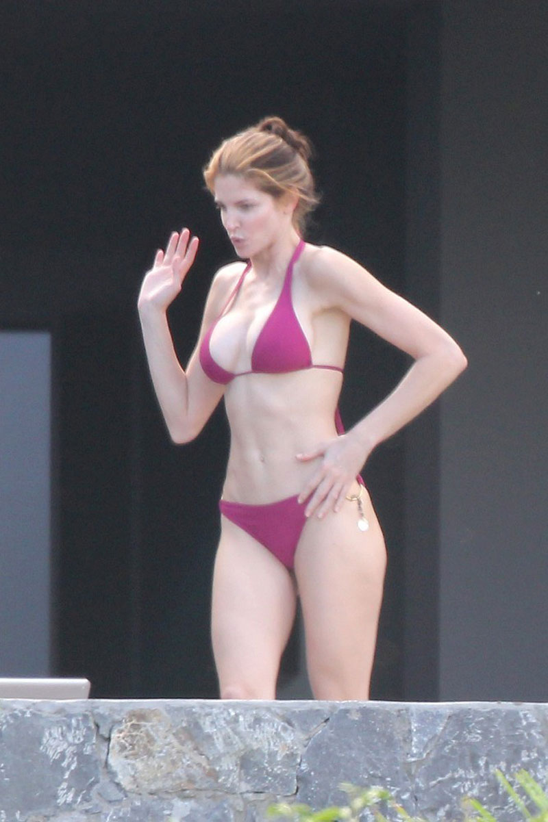 STEPHANIE SEYMOUR in Bikini
