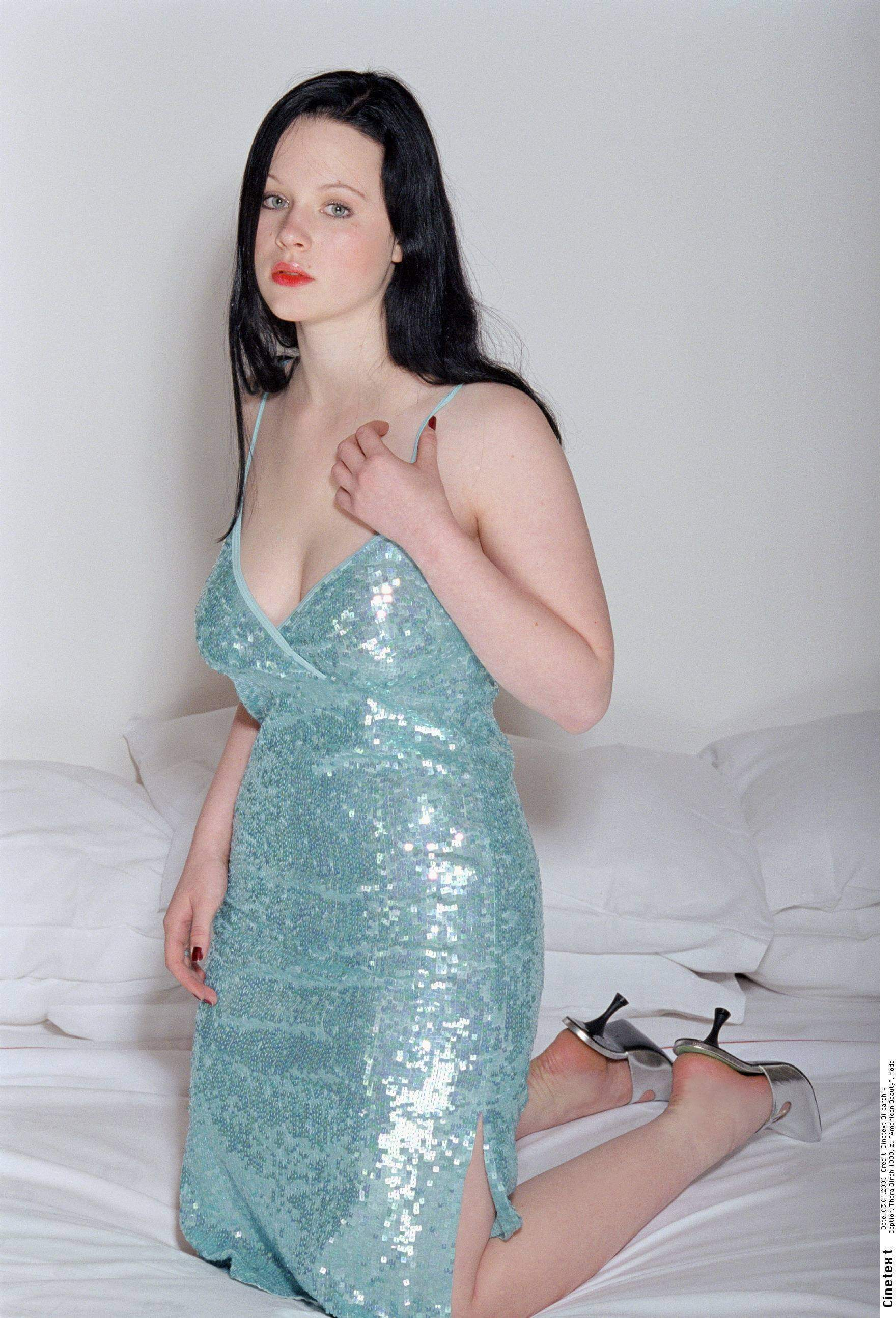 Thora Birch hot look pic