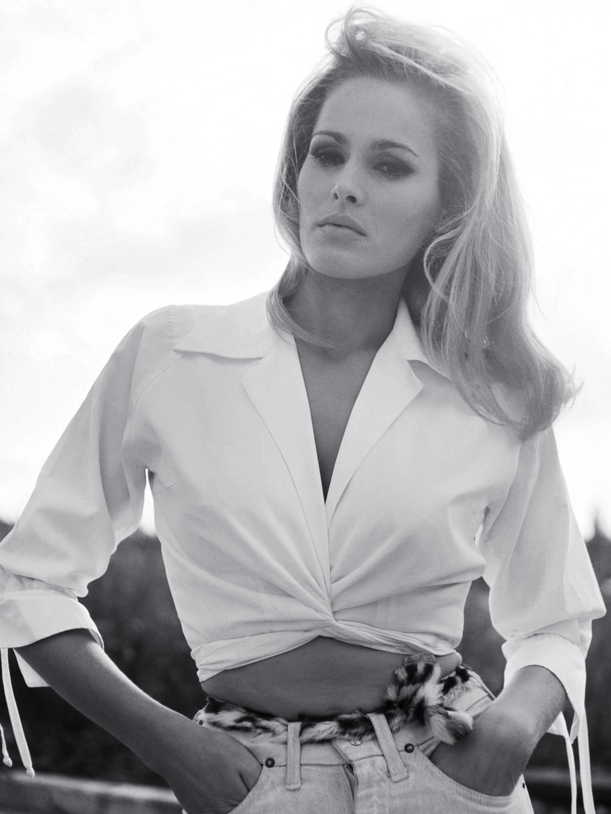 61 Hot Pictures Of Ursula Andress That Will Make You Drool | Best Of Comic Books
