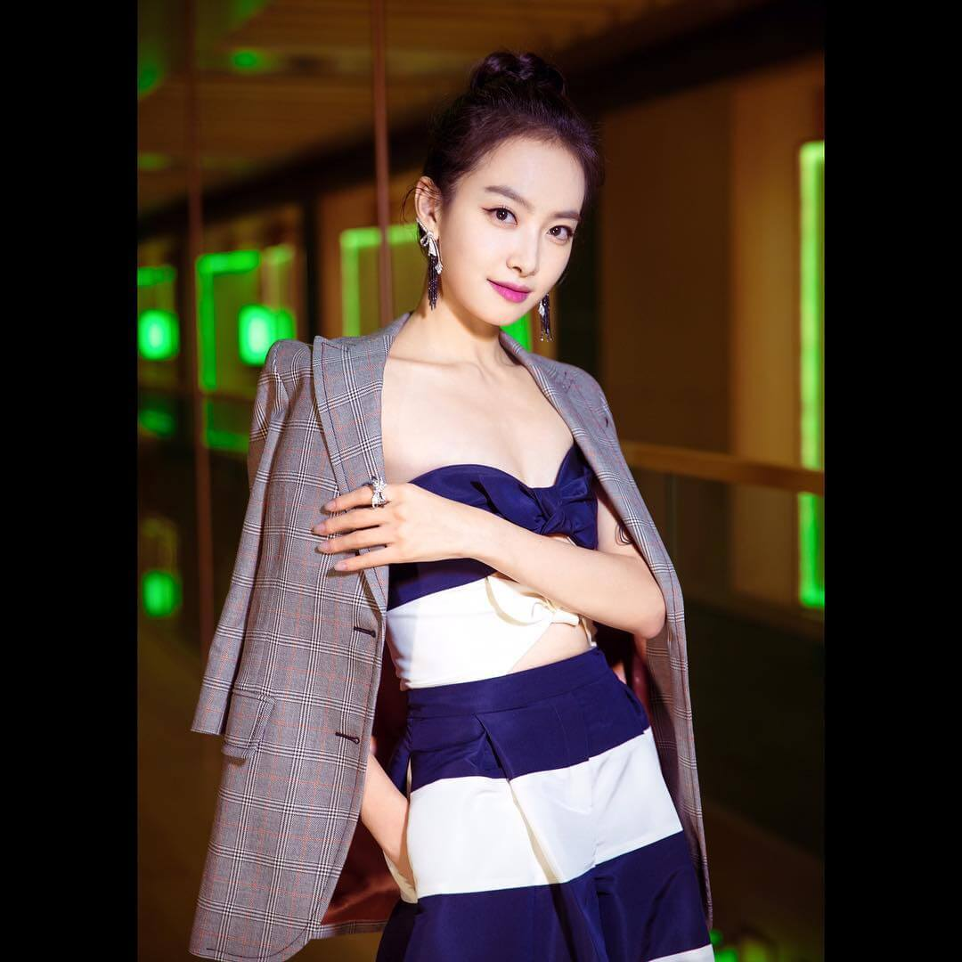 Victoria Song sexy side pic