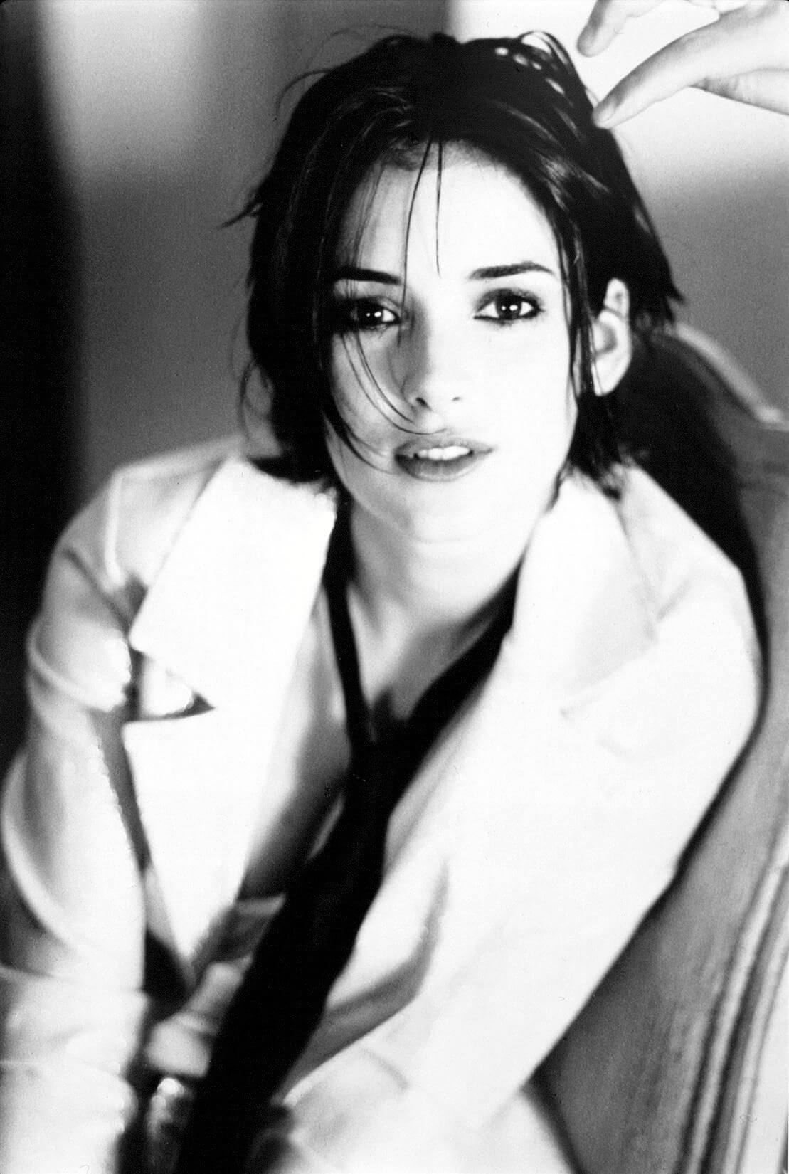 WINONA RYDER hot pic