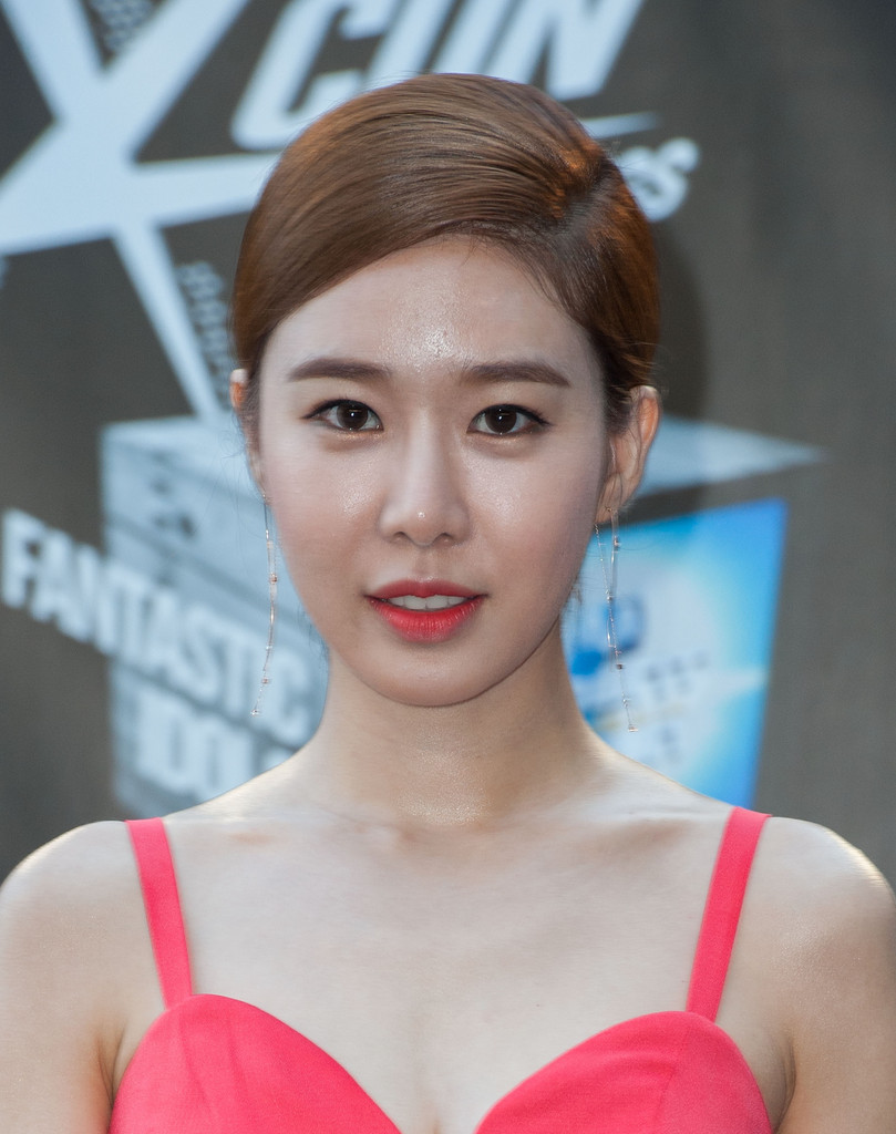 49 Hot Pictures Of Yoo In Na Which Are Absolute Scorchers