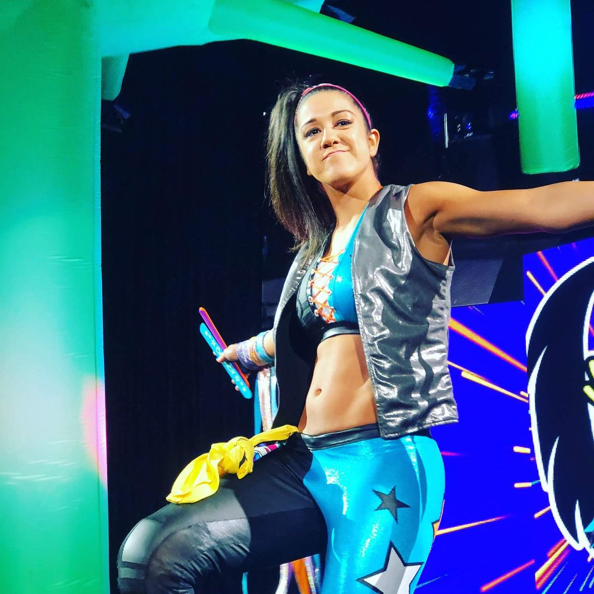 bayley awesome pic (2)