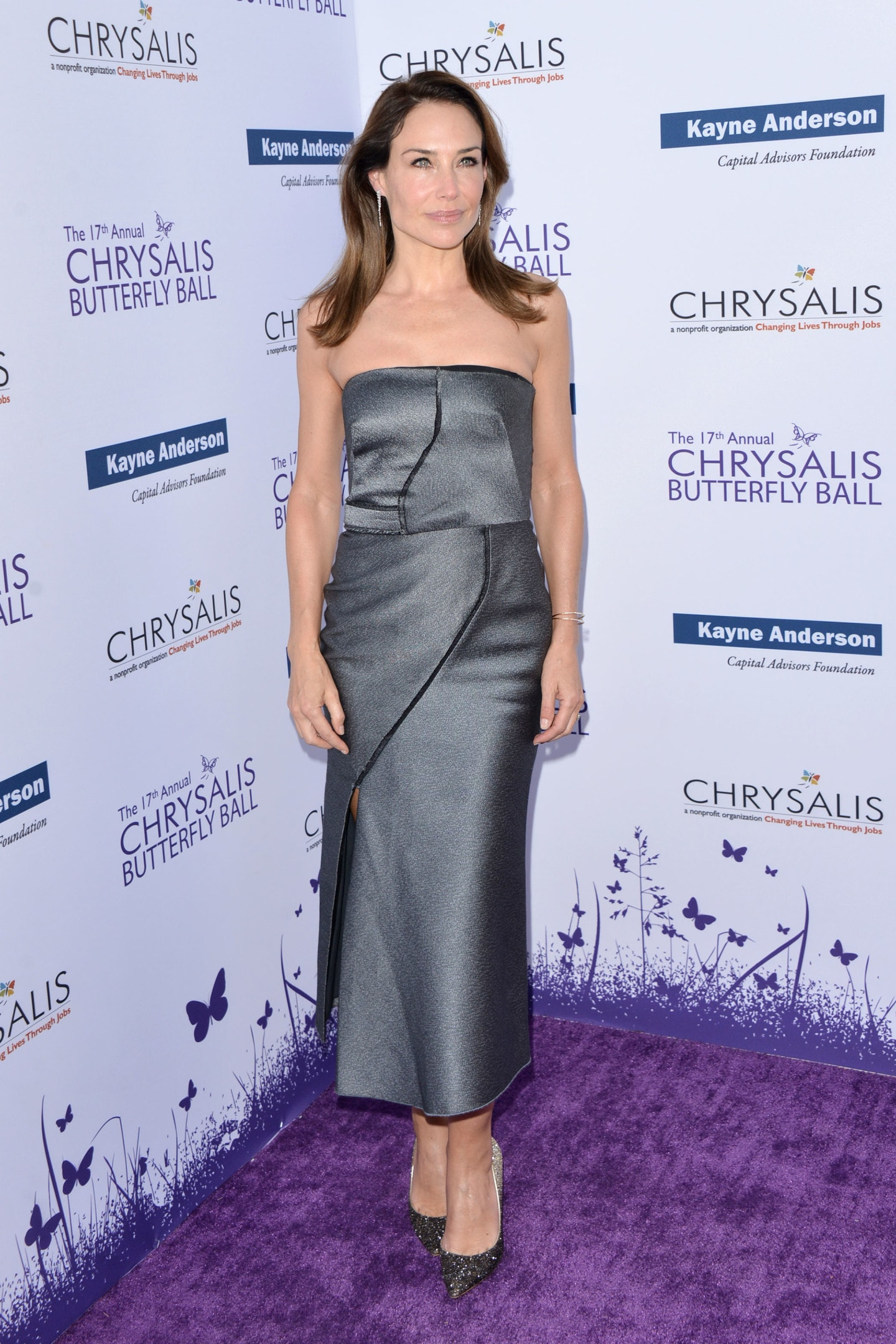 claire-forlani-17th-annual-chrysalis-butterfly-ball-in-los-angeles-1-min