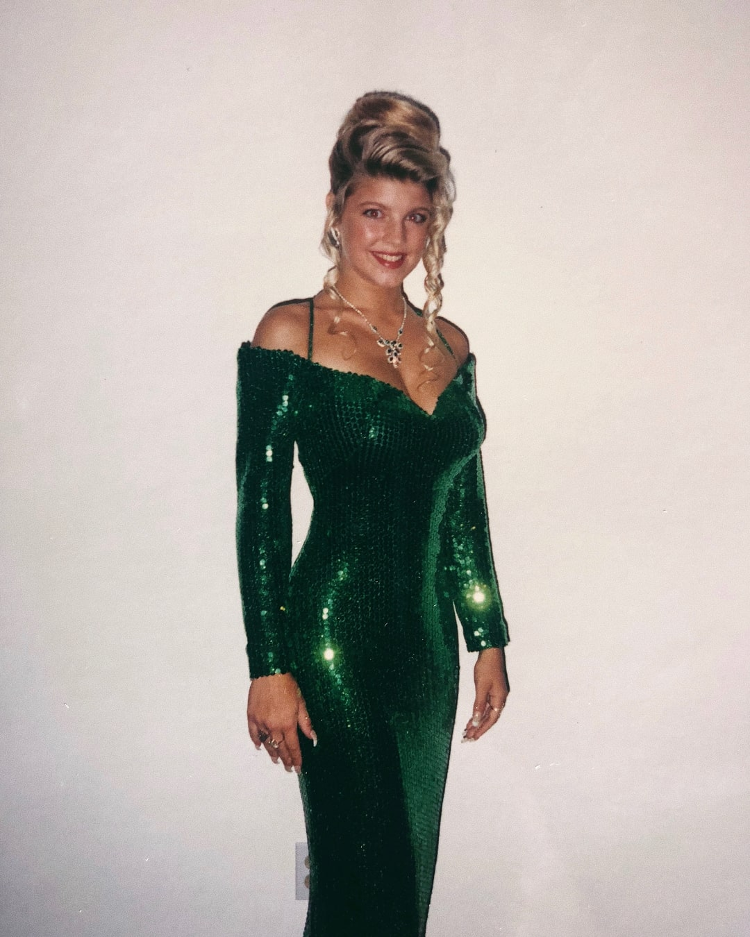 fergie sexy green dress