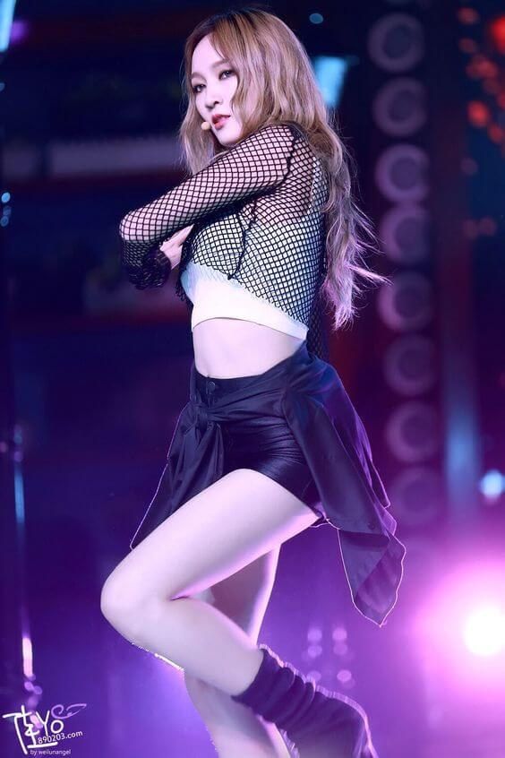 meng jia thighs sexy