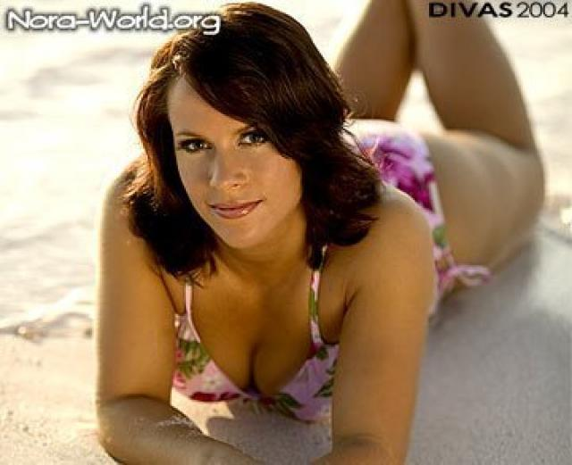 molly holly sexy cleavages