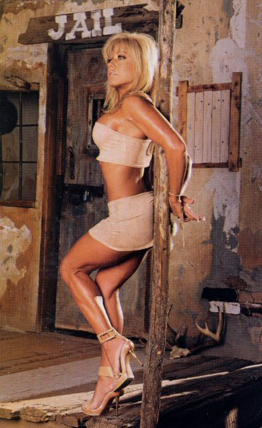 terri runnels side boobs and sexy thigh
