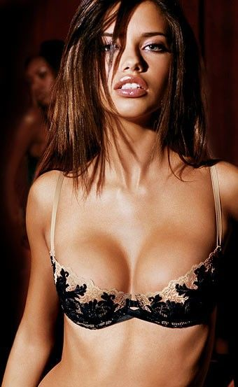 Adriana Lima Sexy Boobs Pictures Pics