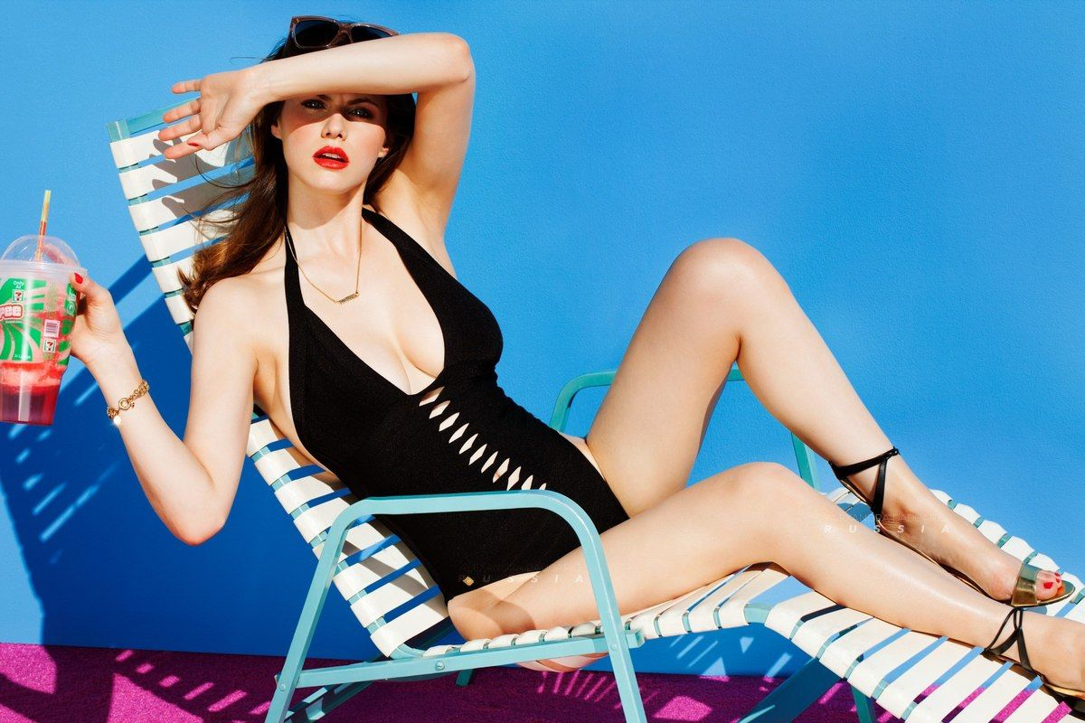 Alexandra daddario hot women picture