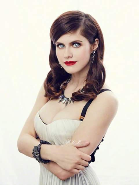 Alexandra daddario hot women