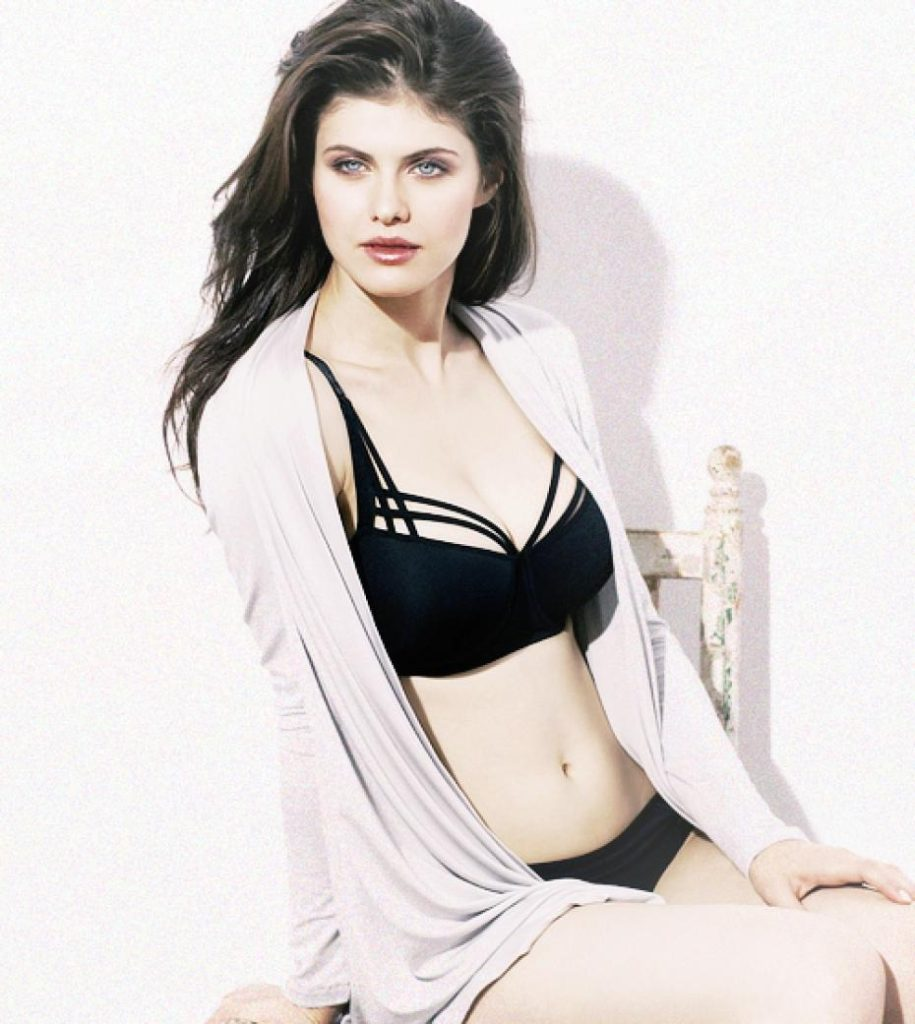 Alexandra daddario sexy and hot picture
