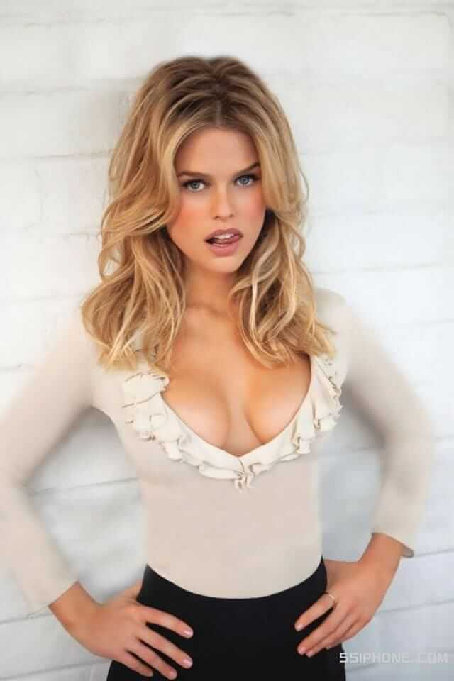 Alice Eve awesome picture