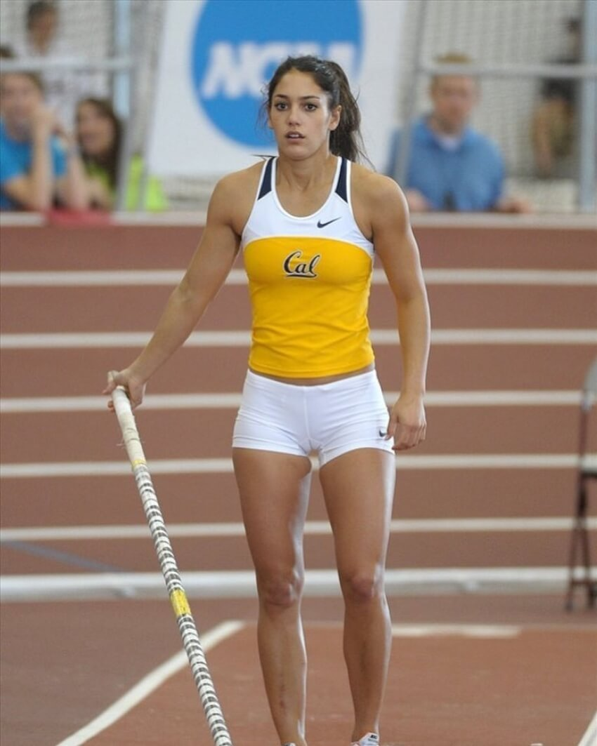 Allison Stokke sexy long leg
