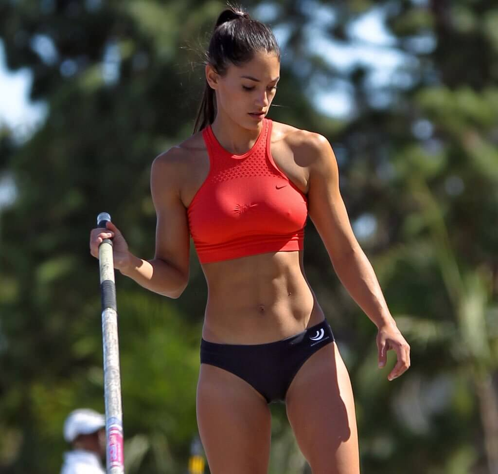 Allison Stokke sexy navel