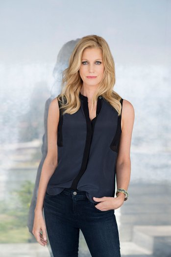 Anna Gunn on Photoshoot