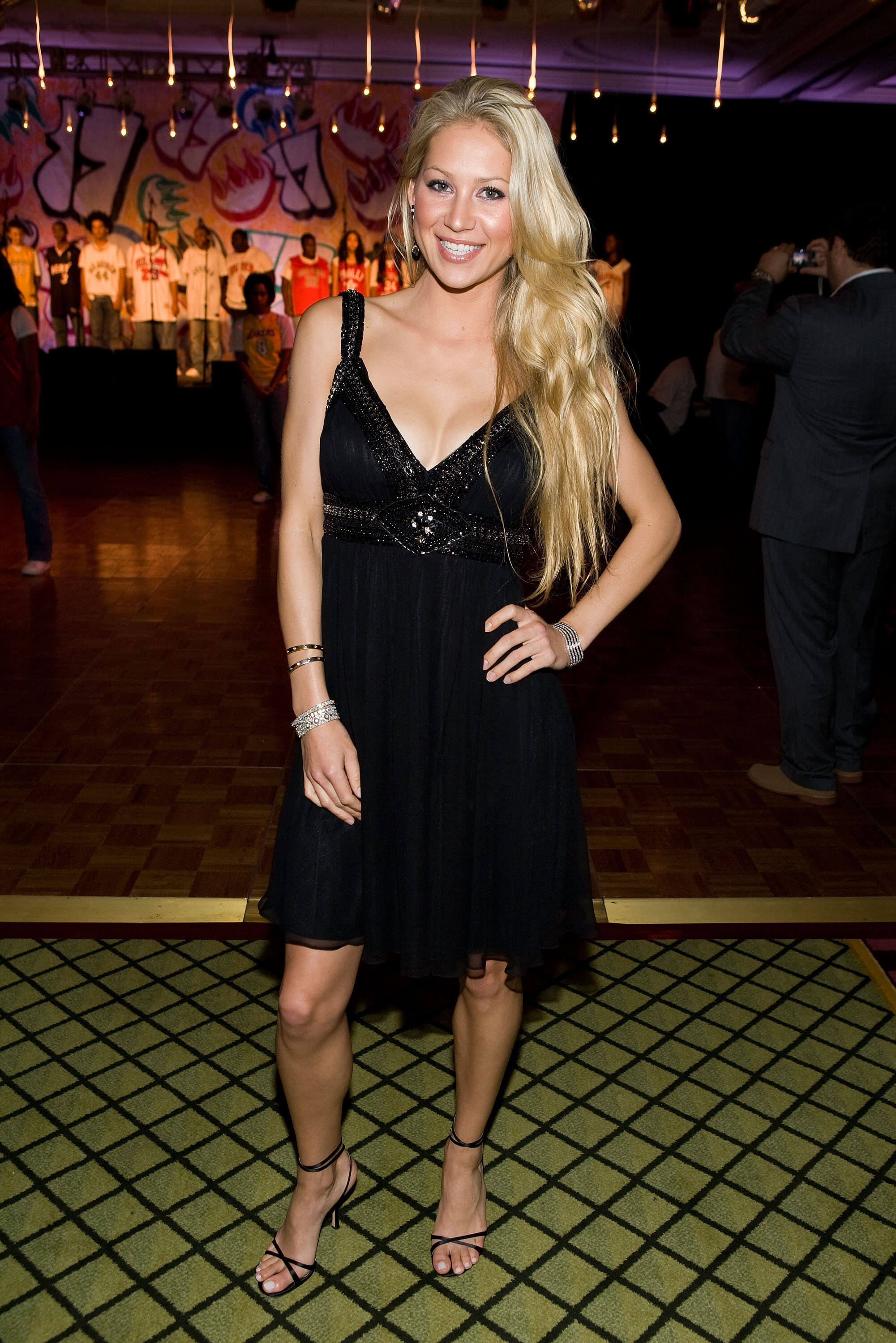 Anna Kournikova sexy black dress