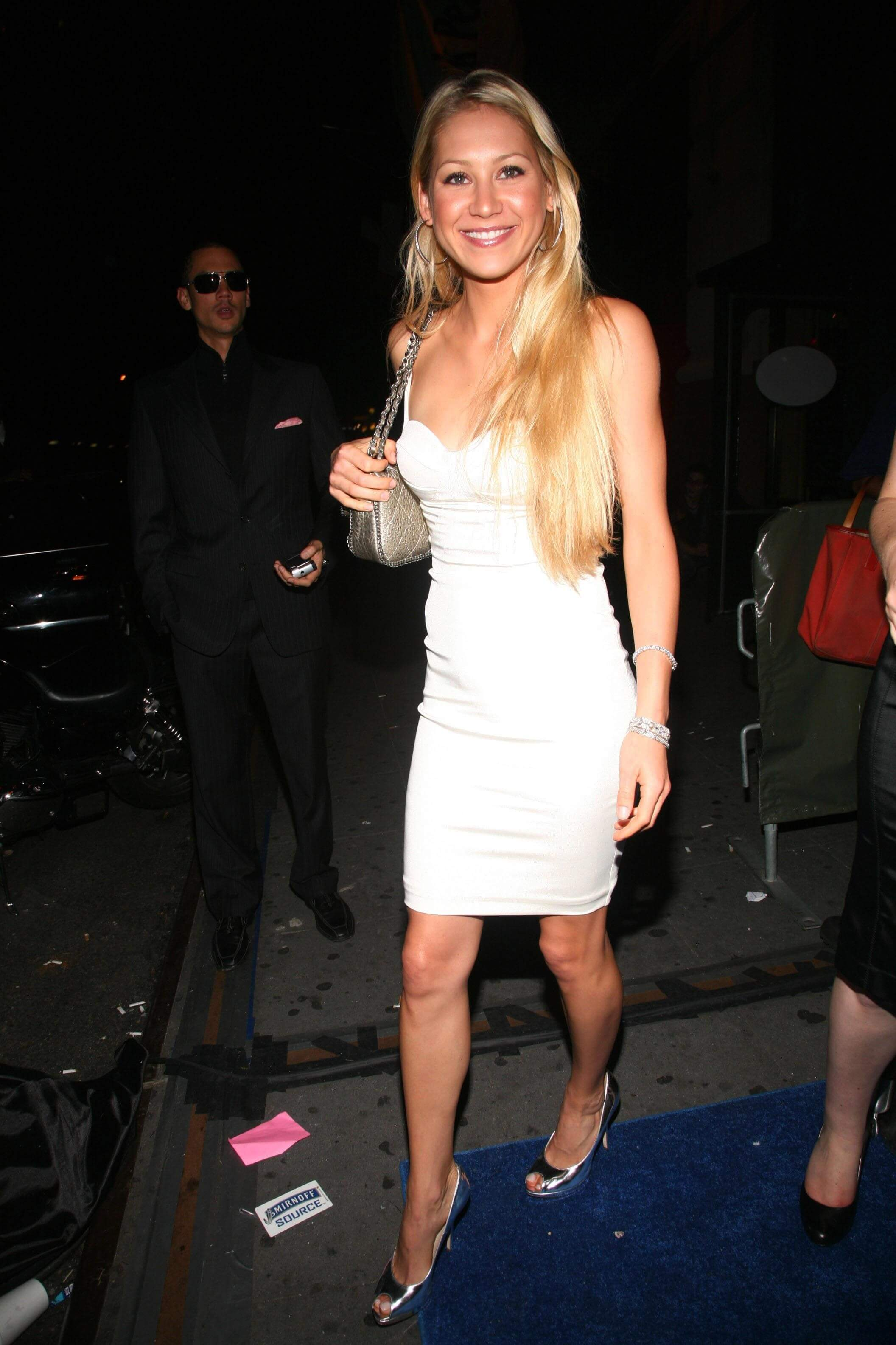 Anna Kournikova sexy white dress