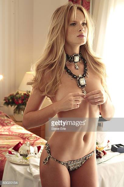 Anne Vyalitsyna sexy women picture