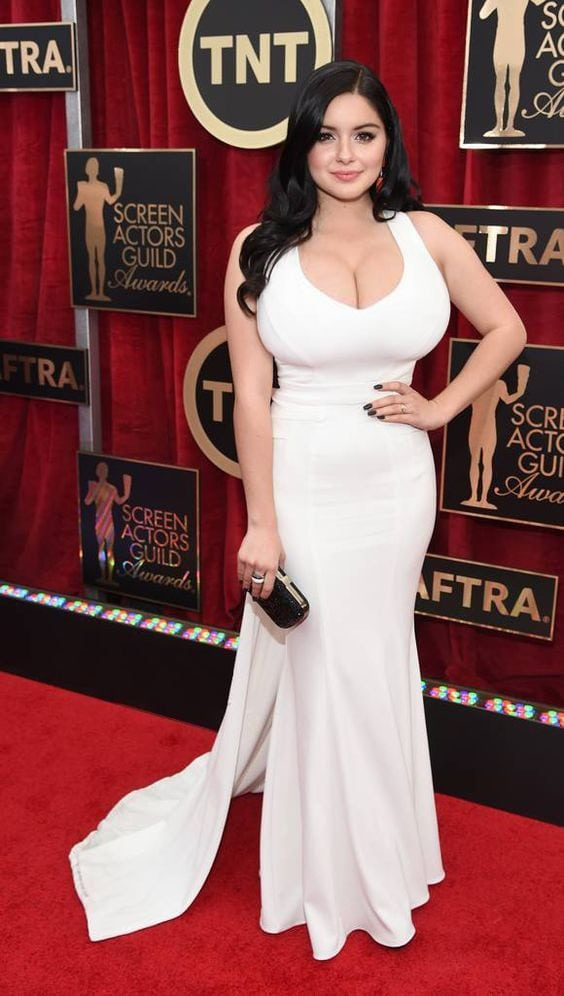Ariel Winter hot lady