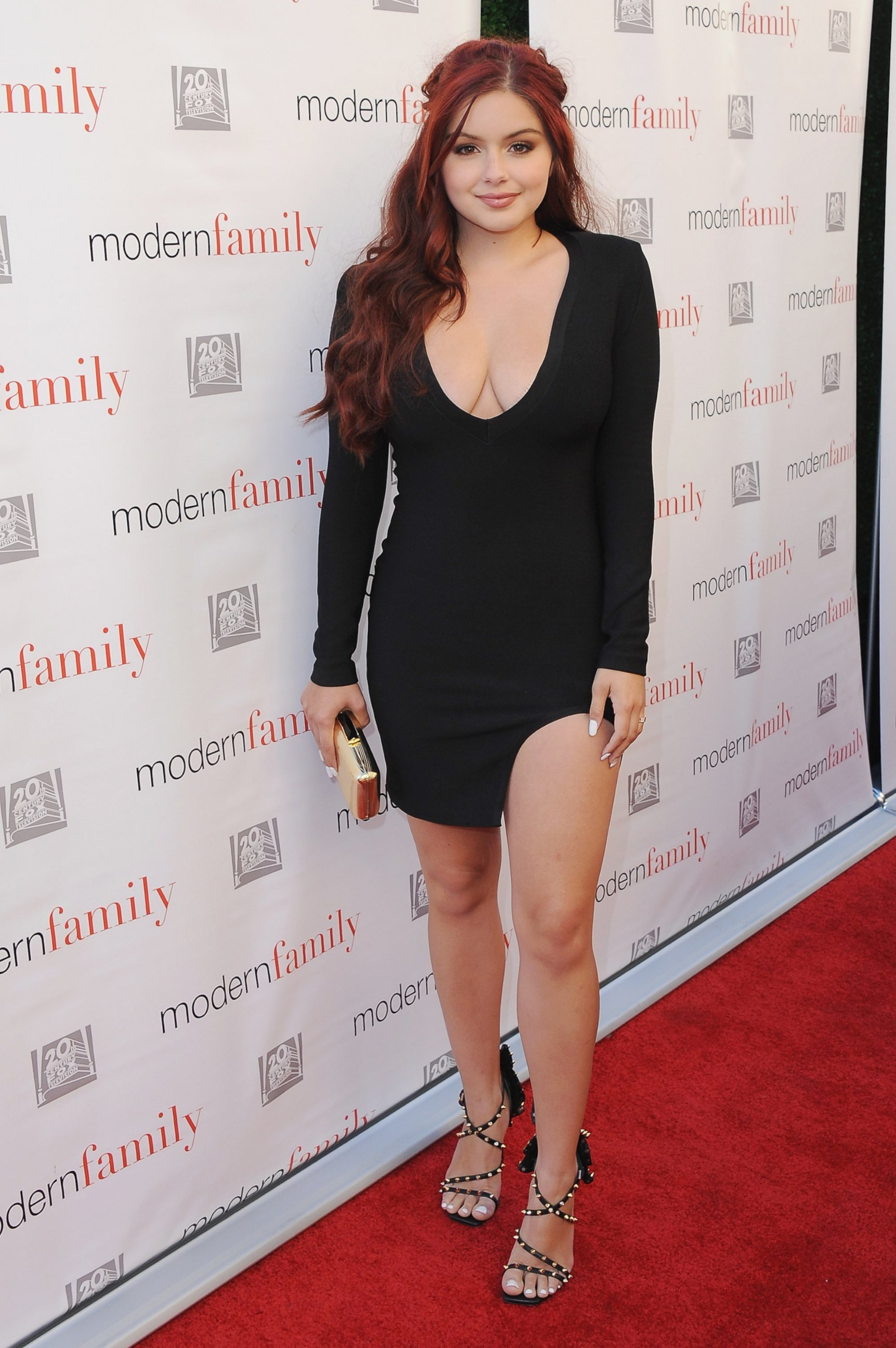 Ariel Winter very sexy photo