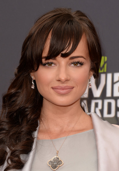 Ashley Rickards hot women picture