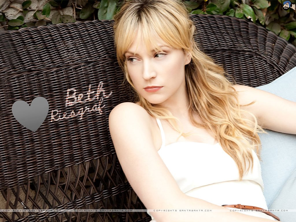 Beth Riesgraf very sexy picture