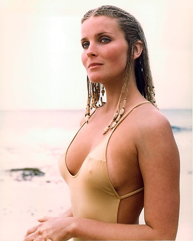 Bo Derek hot women picture