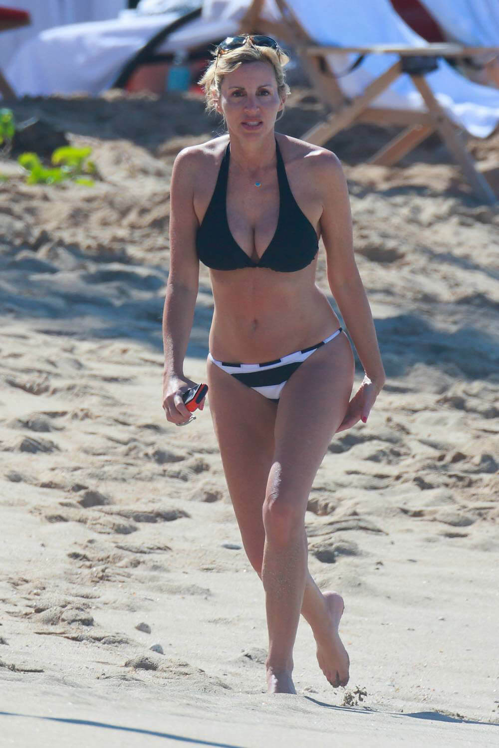 Camille Grammer hot legs pic