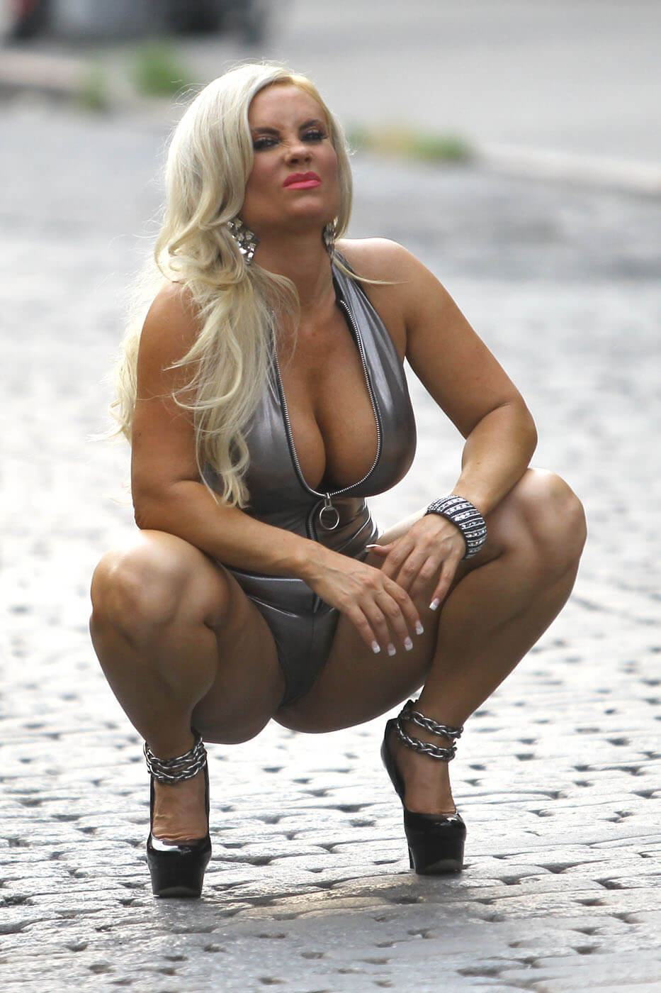 Coco Austin hot cleavage picture