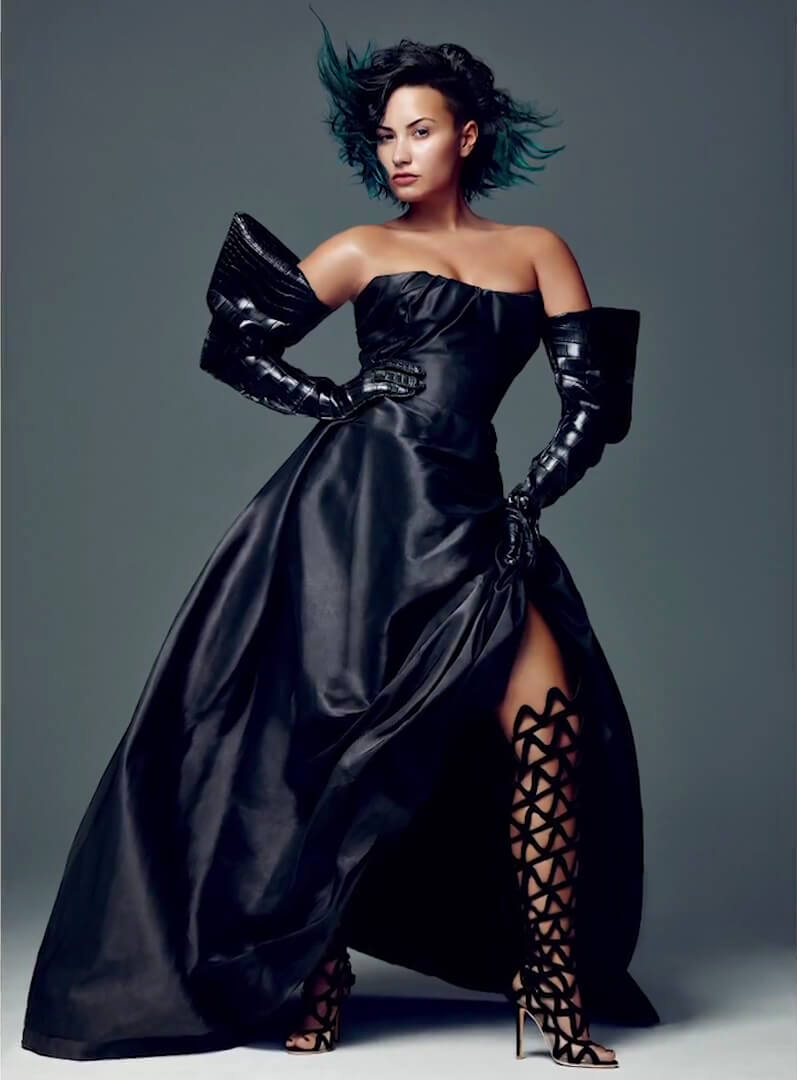 Demi Lovato black sexy dress