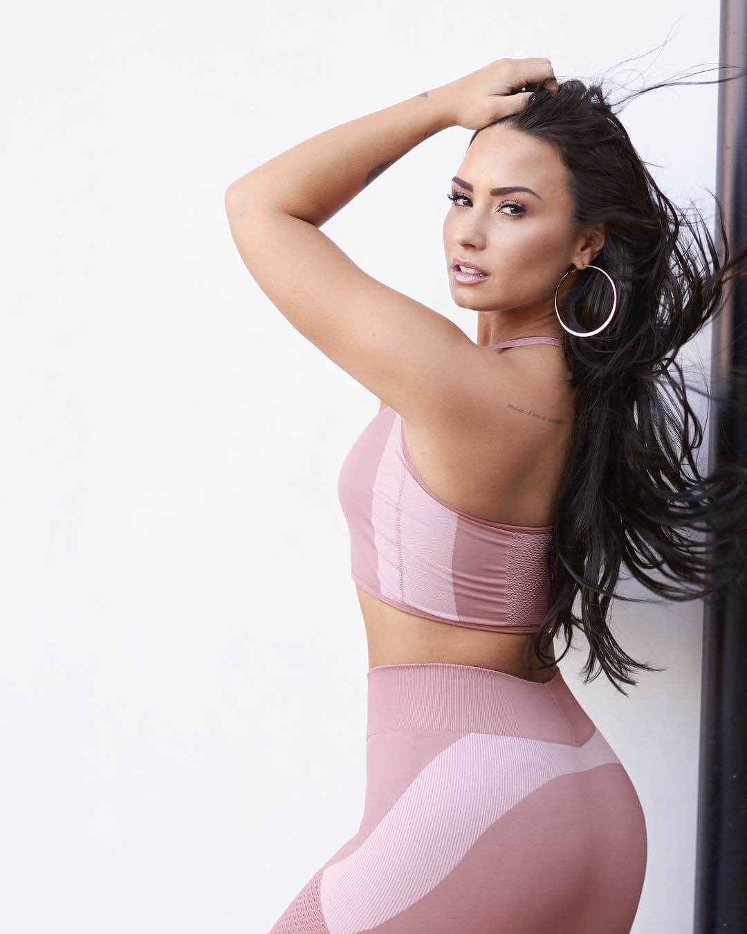Demi Lovato hot ass pics