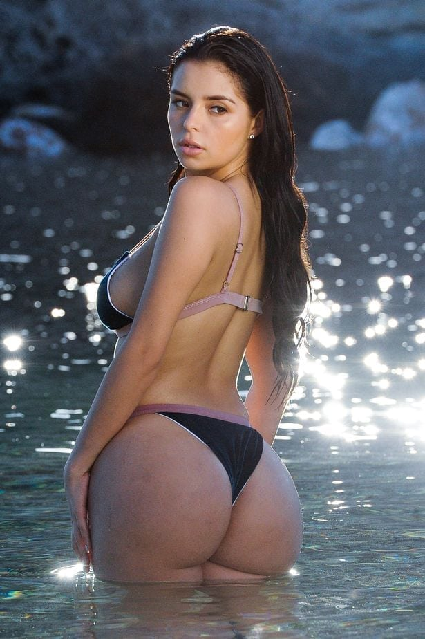 Demi Rose very sexy pic
