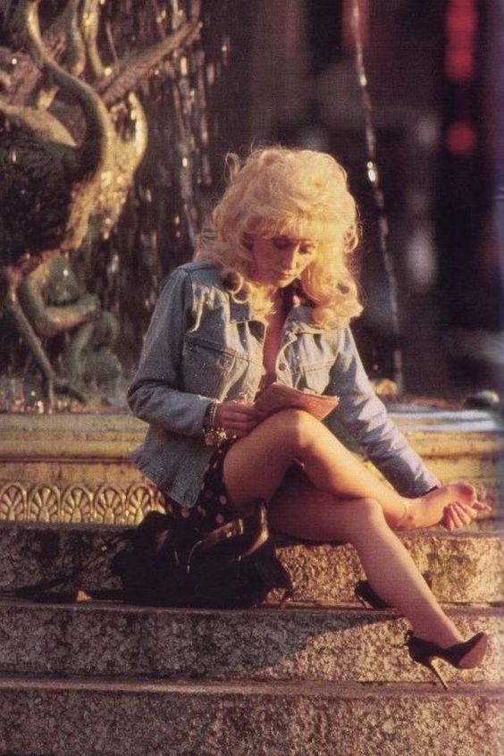 Dolly Parton Hot Legs
