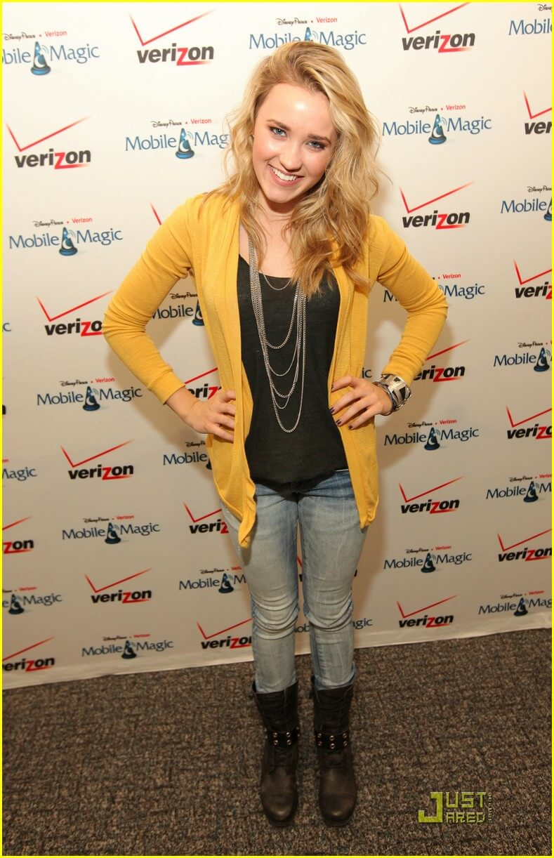 Emily Osment hot pic