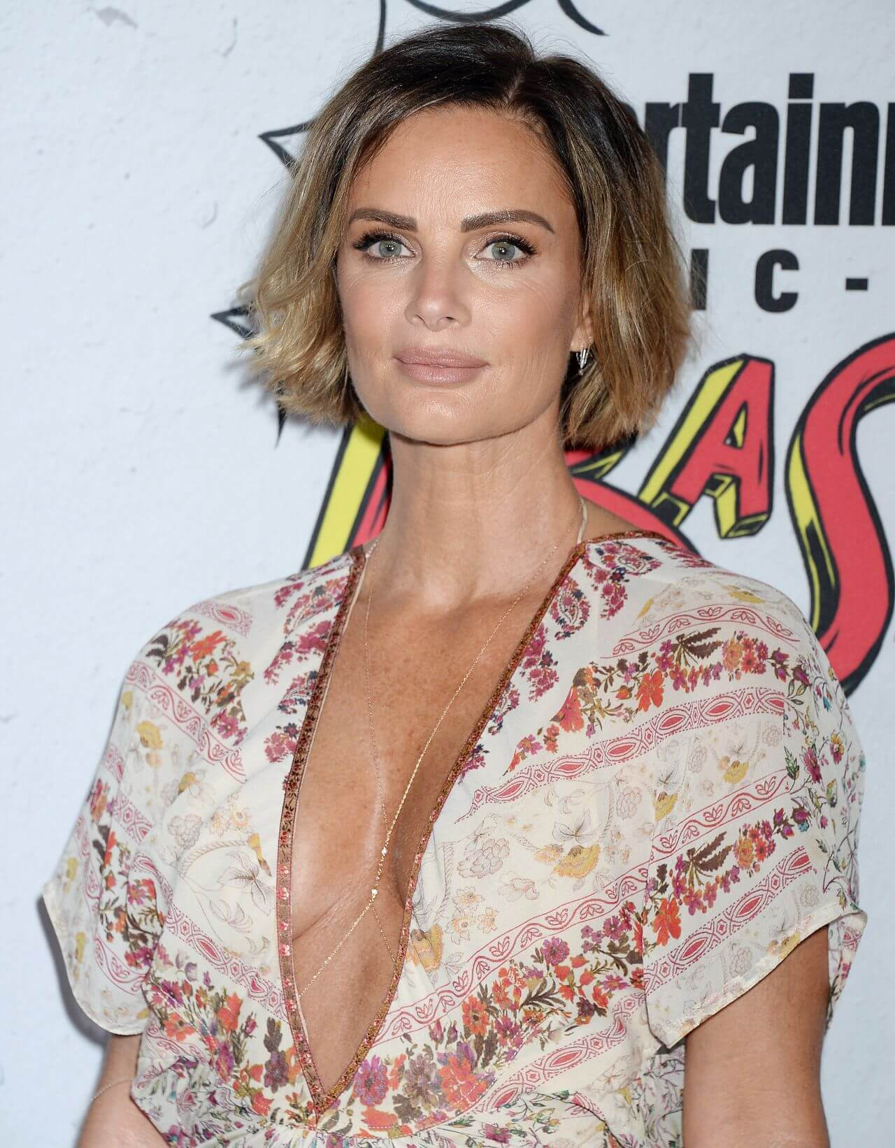 Gabrielle Anwar hot cleavages