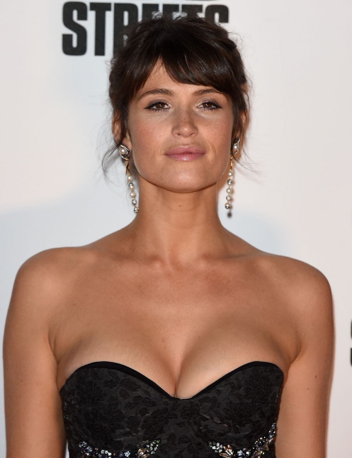 61 Sexy Gemma Arterton Boobs Pictures Which Will Drive You